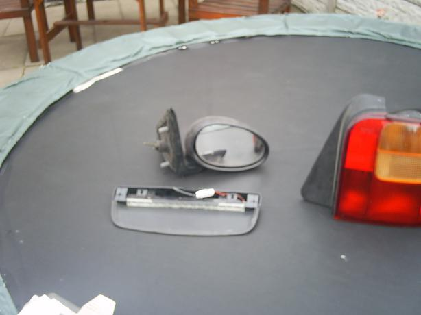 Rover Mirror x1 o/s Manuel adjust £20ono & Rear Number Plate Lamp £10ono