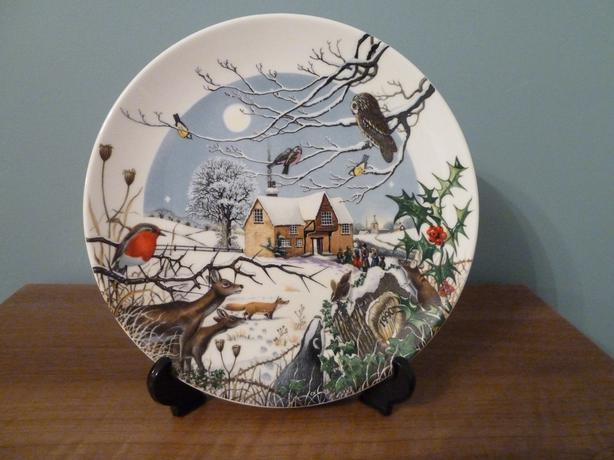 1990 WEDGWOOD PLATE - COLIN NEWMAN'S COUNTRY XMAS