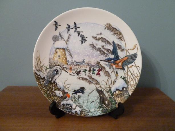 WEDGWOOD CHRISTMAS PLATE - 1989 COLIN NEWMAN'S COUNTRY XMAS