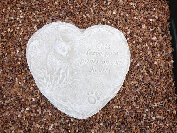 Memorial hearts and tears, pet