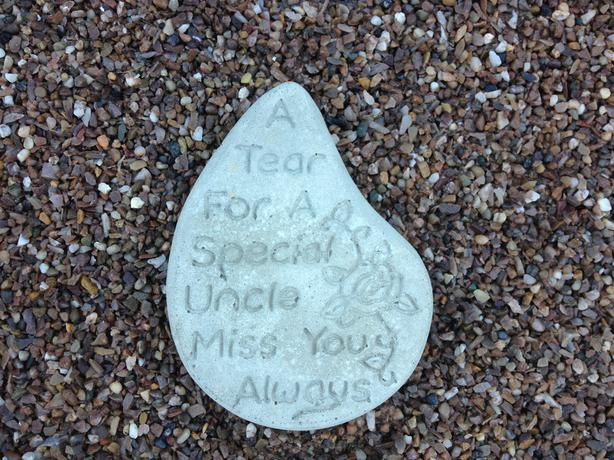 Memorial hearts and tears, aunty & uncle