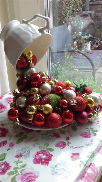 Christmas Floating Tea Cups.12 Christmas Floating Tea Cup
