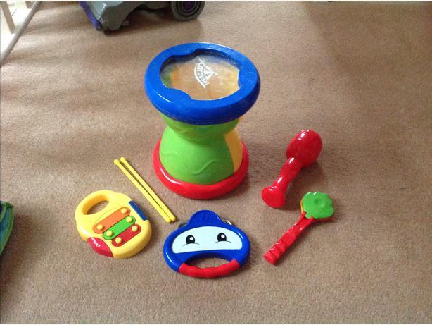 Toy music set