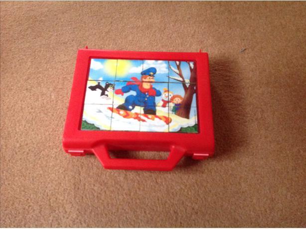 Postman pat jigsaw cubes