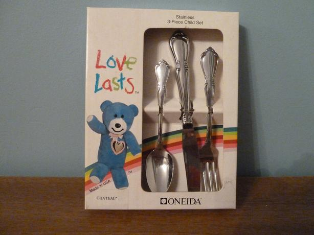 VINTAGE COLLECTIBLE ONEIDA LOVE LASTS 3 PIECE CHILD SET-CHATEAU-NEW