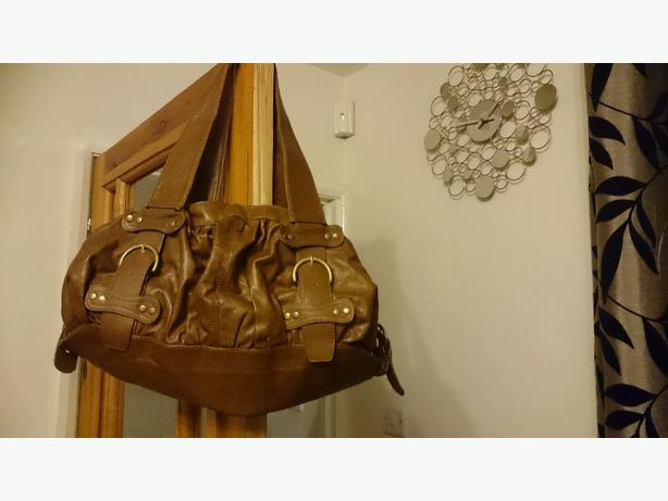 BROWN TAN HANDBAG