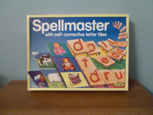 "SPELLMASTER SPEARS GAMES-VINTAGE 1990s-SPELLING FUN-""REAL"" GAME!"