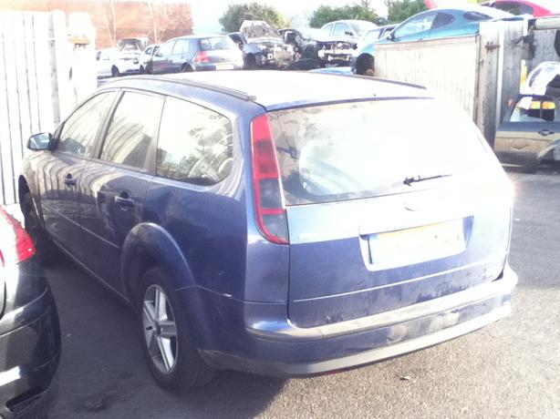 FORD FOCUS ESTATE 2006 BREAKING FOR SPARES