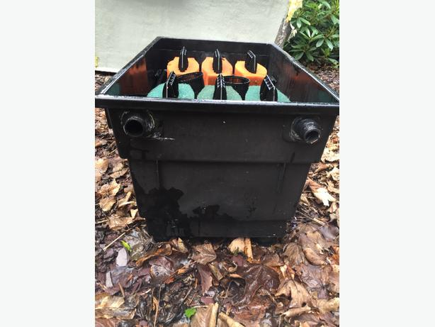 Oase biotec 10 koi pond filter tettenhall wolverhampton for Used fish pond filters