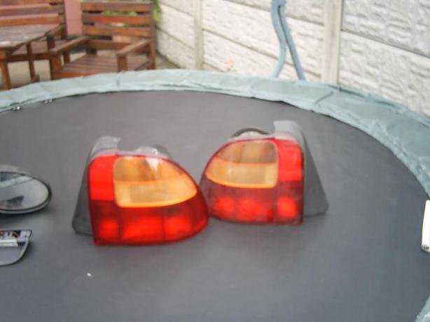 £20 · 2 Rear Lamp Clusters Rover Bubble Shape £20ono (Will Split)