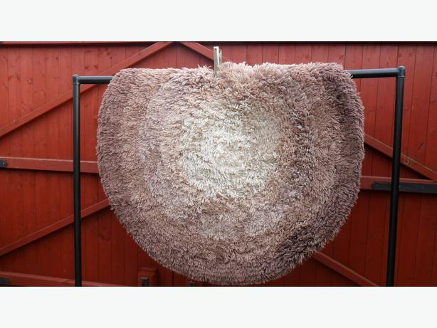 very thick pile washable 120x120cm circle beige/brown new quality rug .