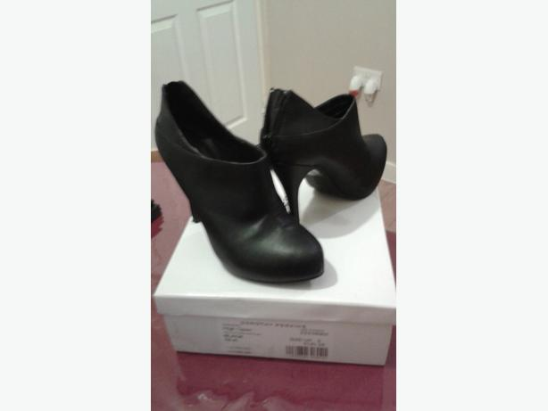 size 5 dorophy perkins ankle boots.