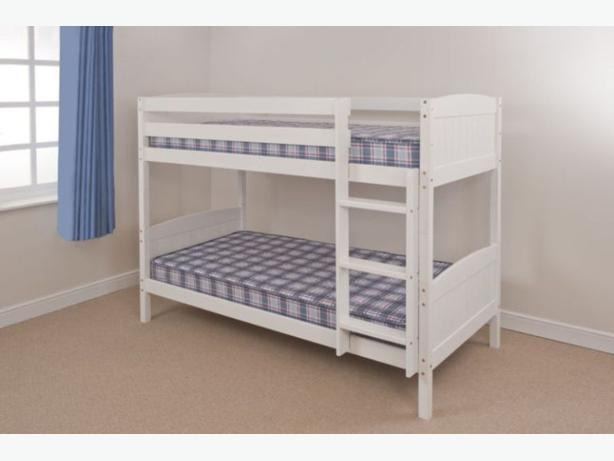 WHITE/CARAMEL BUNK BED BRAND NEW SPLITS INTO 2 BEDS