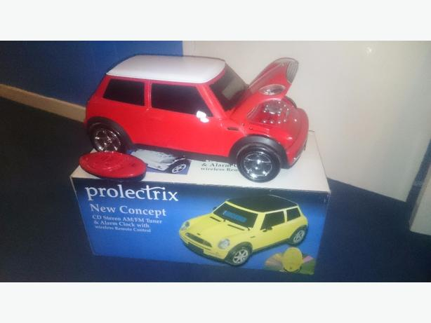 boxed mini car cd/radio with remote control