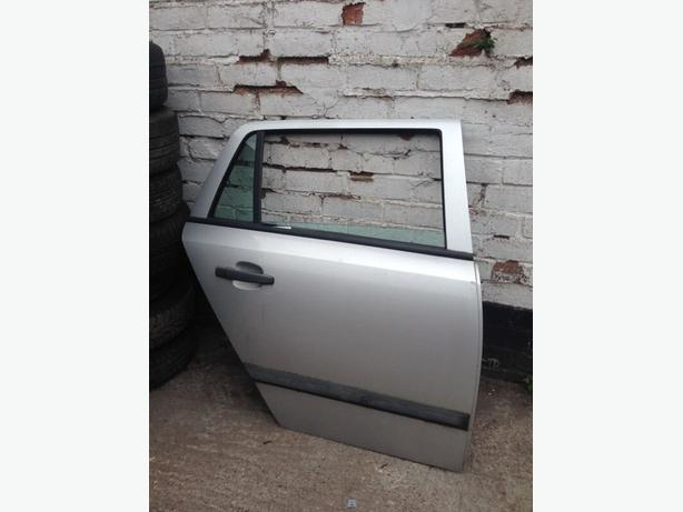 Vauxhall Astra H estate mk5 2005-2009 silver doors