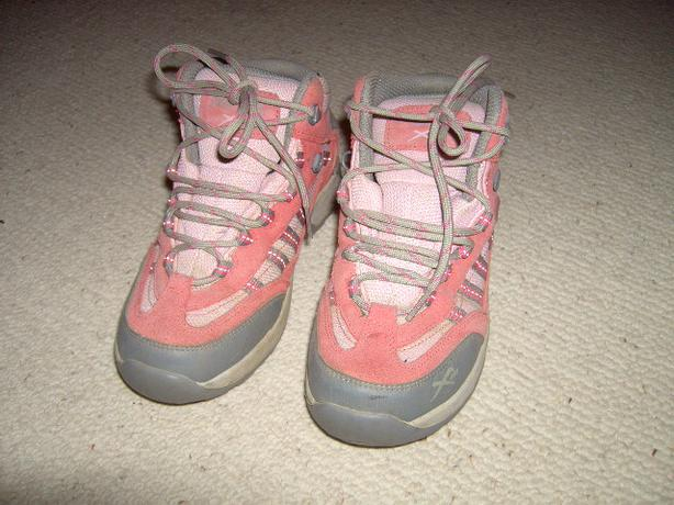 Girl's walking boots size 4