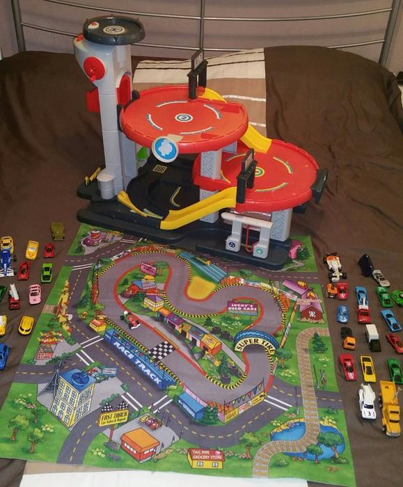 Elc Big City Garage, Play Mat And Cars Early Learning
