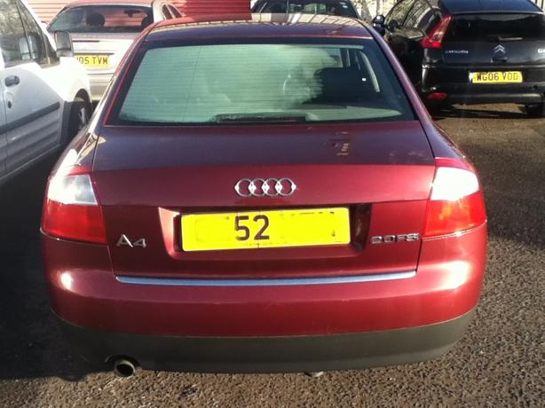 AUDI A4 2.0 FSI BREAKING FOR SPARES