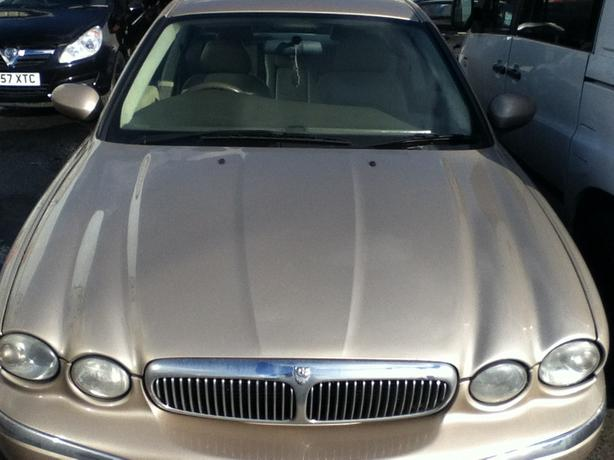 JAGUAR X TYPE GOLD BREAKING FOR SPARES DIESEL