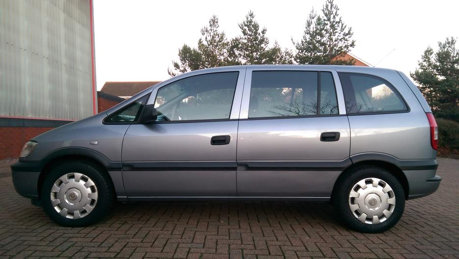 2003  53 vauxhall zafira 1 6i club immaculate condition 1