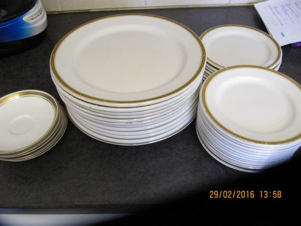 plates and  table mats