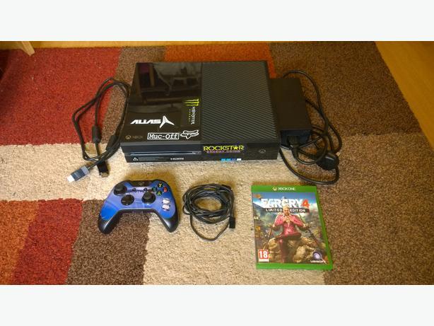 Xbox One 500GB Console FIFA 16 &