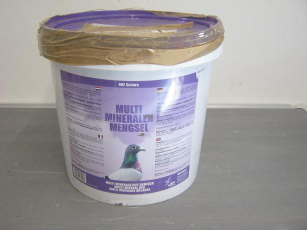 Multi Mineral Mix Pigeon Feed.