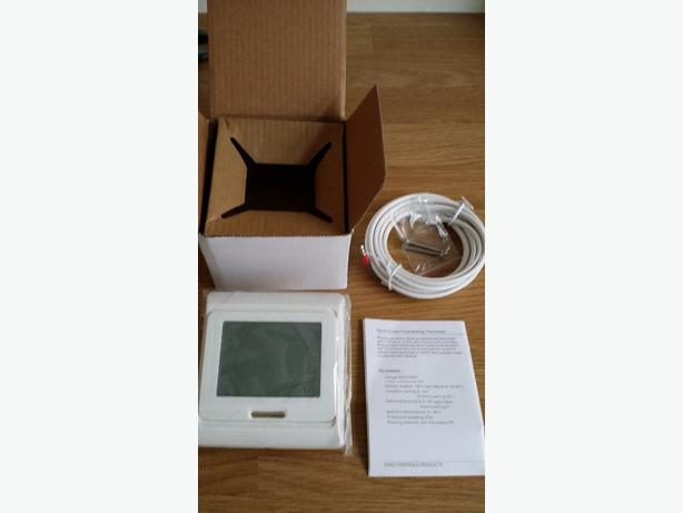 DIGITAL TOUCHSCREEN THERMOSTAT FOR TILE UNDERFLOOR HEATING