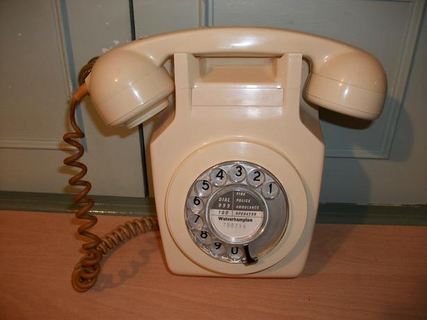 Vintage Retro Wall Mounted Telephone