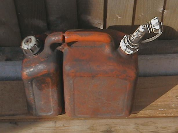 combi fuel/oil can