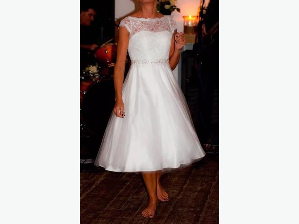 Beautiful ivory tea length wedding dress size 8 great barr for Wedding dress cleaned and boxed