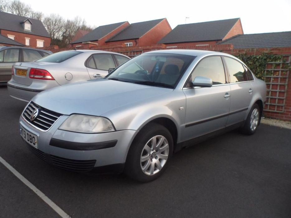 2 x vw passat 39 s both tdi 130 bhp other wolverhampton. Black Bedroom Furniture Sets. Home Design Ideas