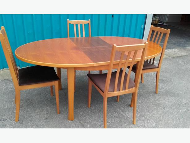 Dining Table and Chairs WALSALL Wolverhampton : 105352707614 from www.usedwolverhampton.co.uk size 614 x 461 jpeg 38kB
