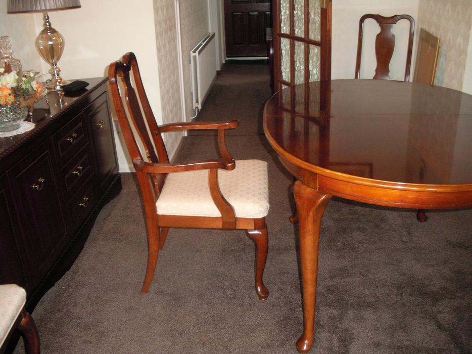 Extending Mahogany Queen Anne Style Dining Table with 6  : 105358027934 from www.useddudley.co.uk size 934 x 700 jpeg 90kB