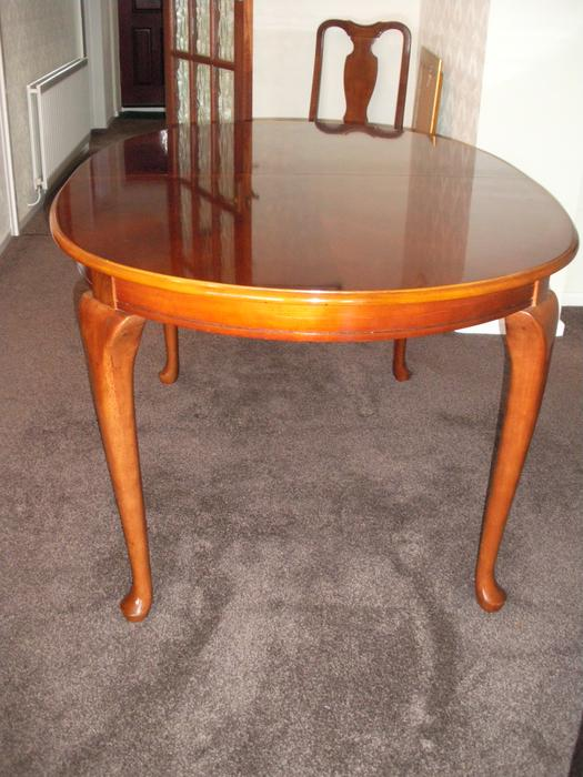 Extending Mahogany Queen Anne Style Dining Table with 6  : 105358030934 from www.useddudley.co.uk size 525 x 700 jpeg 59kB