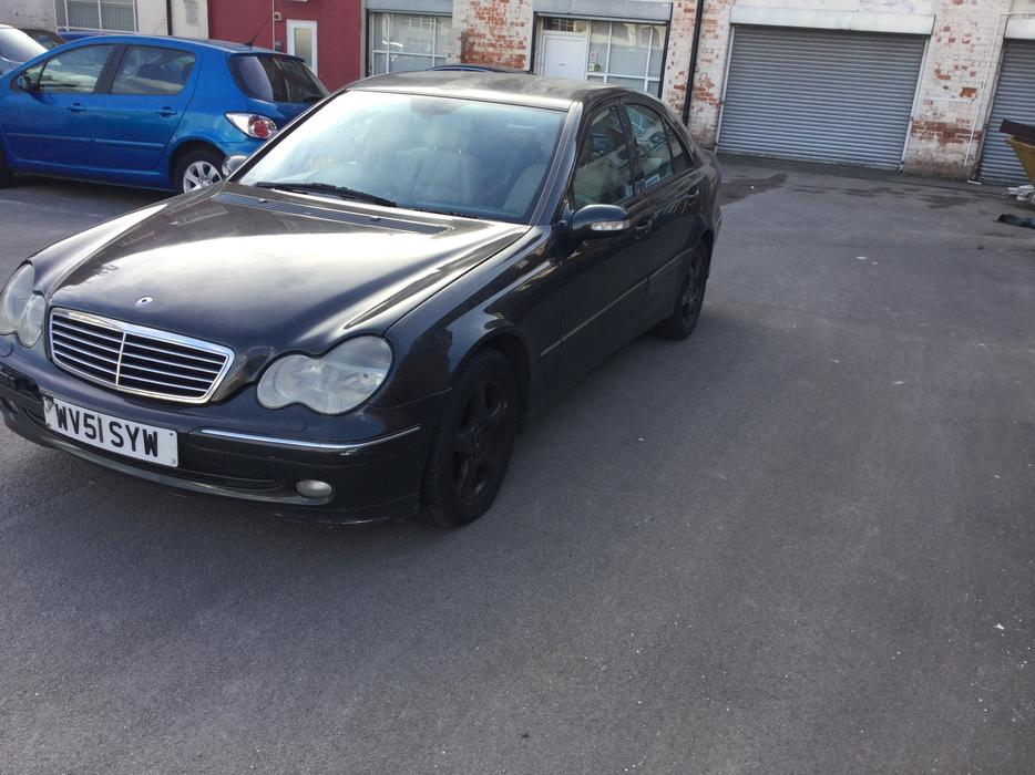 2001 51 mercedes c220 cdi avantgarde auto 4dr saloon needs slight tlc outside black country. Black Bedroom Furniture Sets. Home Design Ideas