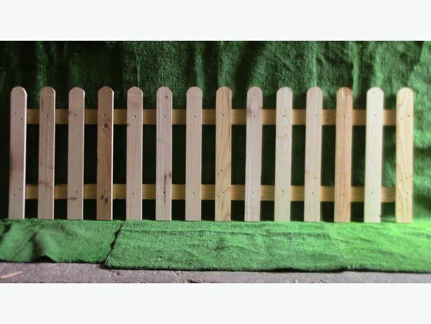 PICKET FENCE & GATES