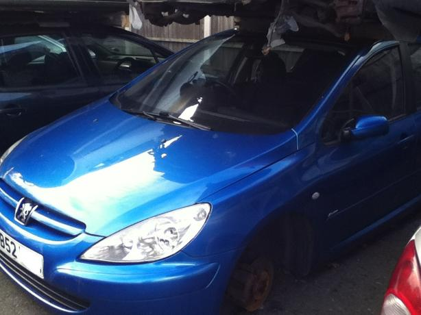 PEUGEOT 307 BLUE 1.4 1.6 HDI BREAKING FOR SPARES