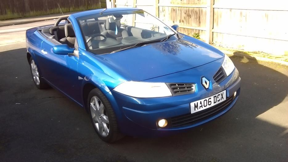 renault megane walsall walsall. Black Bedroom Furniture Sets. Home Design Ideas