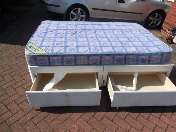 Double divan bed and drawer mattress for sale dudley for 4 drawer divan bed sale