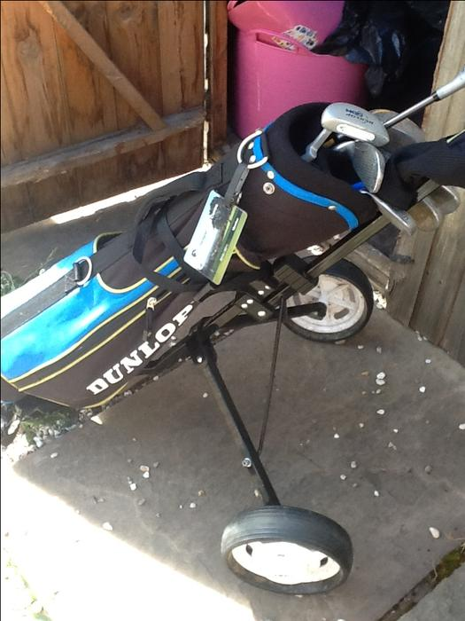 Excellent Junior Golf Clubs With Trolley And Bag Dudley