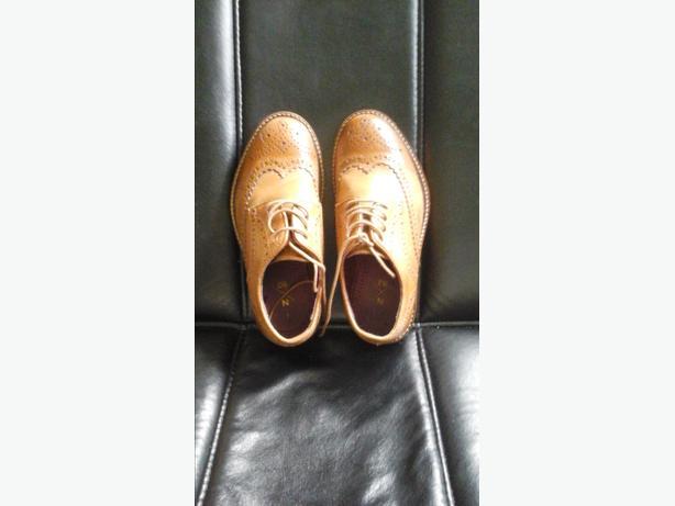 boys brogue shoe's size 1