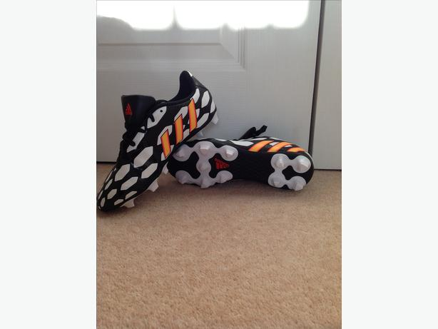 brand new adidas predito 14 football boots (studs) size 4