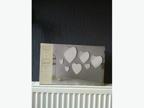 7 piece heart mirror set