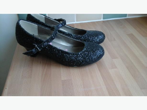 Girls size 2 shoes - black sparkly heels