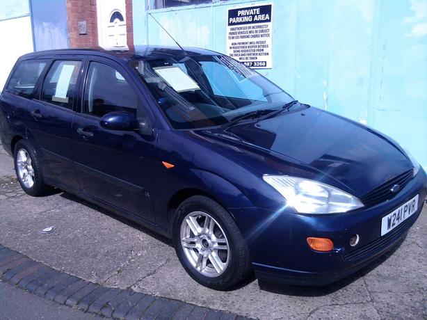 2000 ford focus estate petrol manual with 6mths. Black Bedroom Furniture Sets. Home Design Ideas