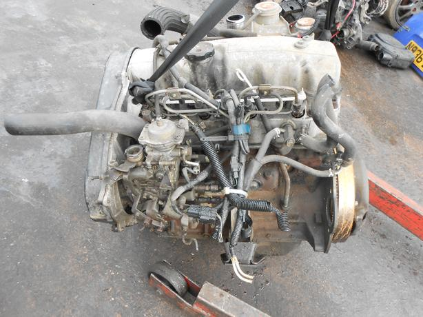 MITSUBISHI SHOGUN PAJERO L200 2.5 TD ENGINE PUMP INJECTORS 4D56