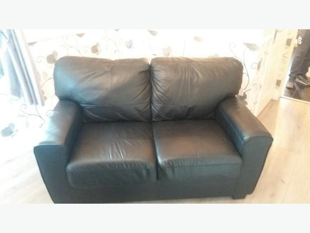 black leather 2x2 sofas bargin coseley dudley mobile. Black Bedroom Furniture Sets. Home Design Ideas