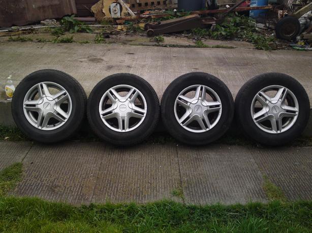 6 alloy wheels