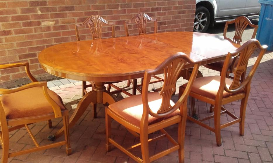 Yew Wood Dining Table Chairs WALSALL Wolverhampton